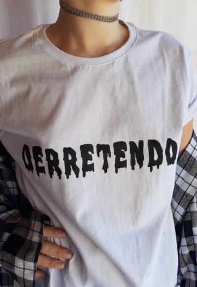 Camiseta Derretendo